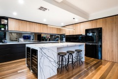 Modern Kitchen with Island Workbench